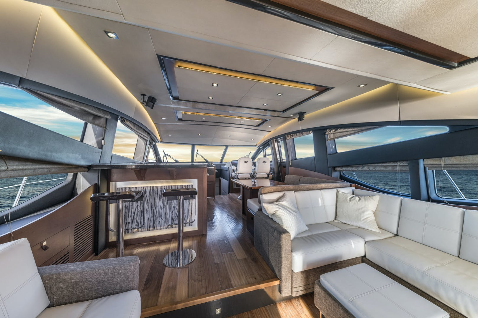 2015 Sea Ray 65' L650 Fly Migration | Picture 5 of 29