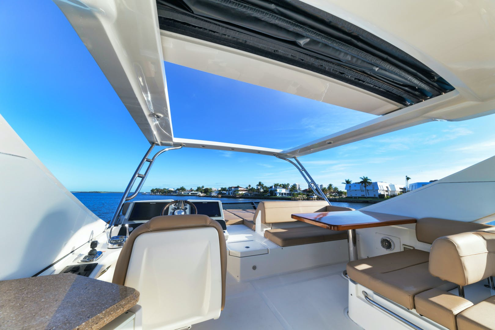 2015 Sea Ray 65' L650 Fly Migration | Picture 4 of 29