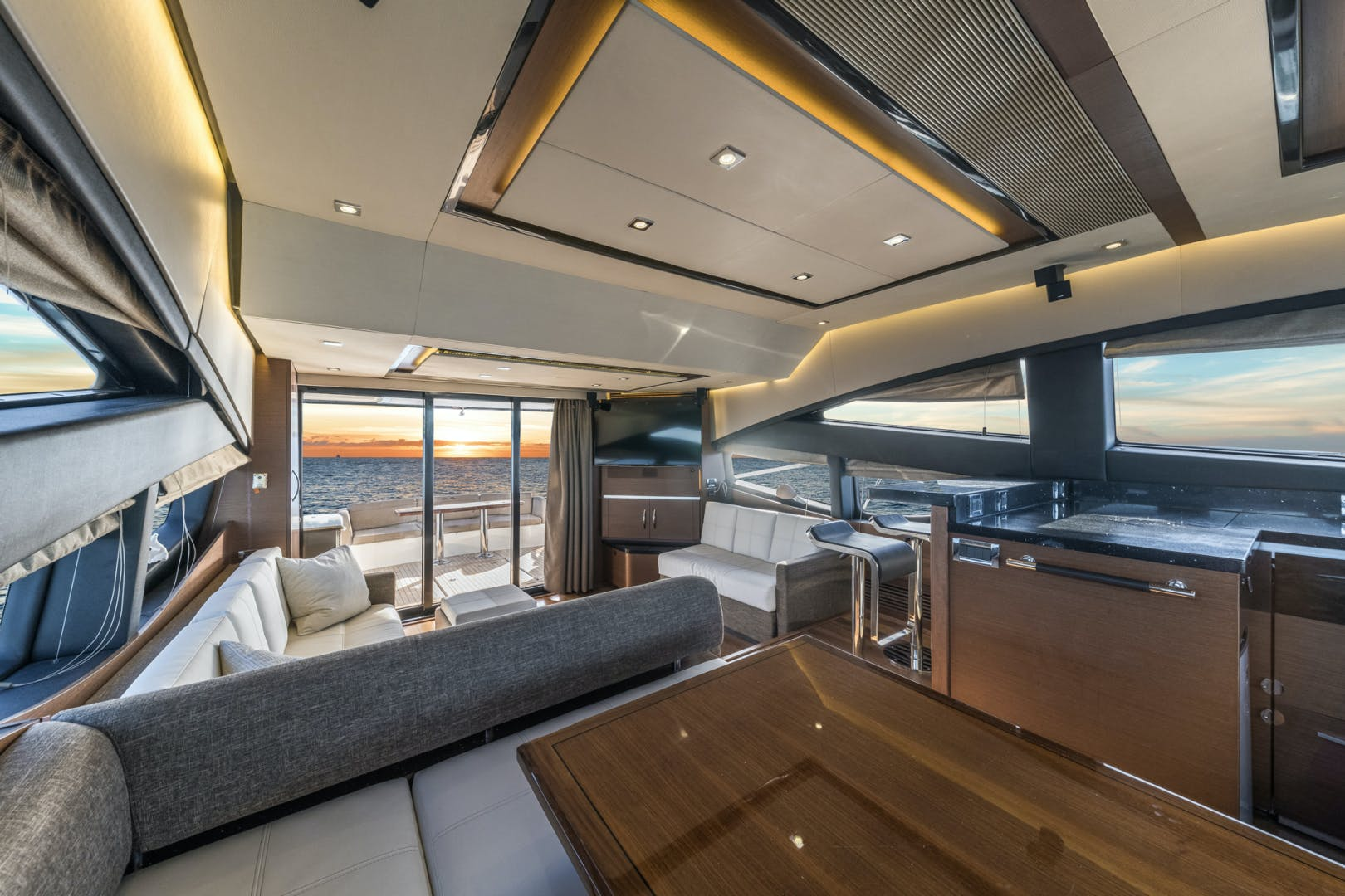 2015 Sea Ray 65' L650 Fly Migration | Picture 7 of 29