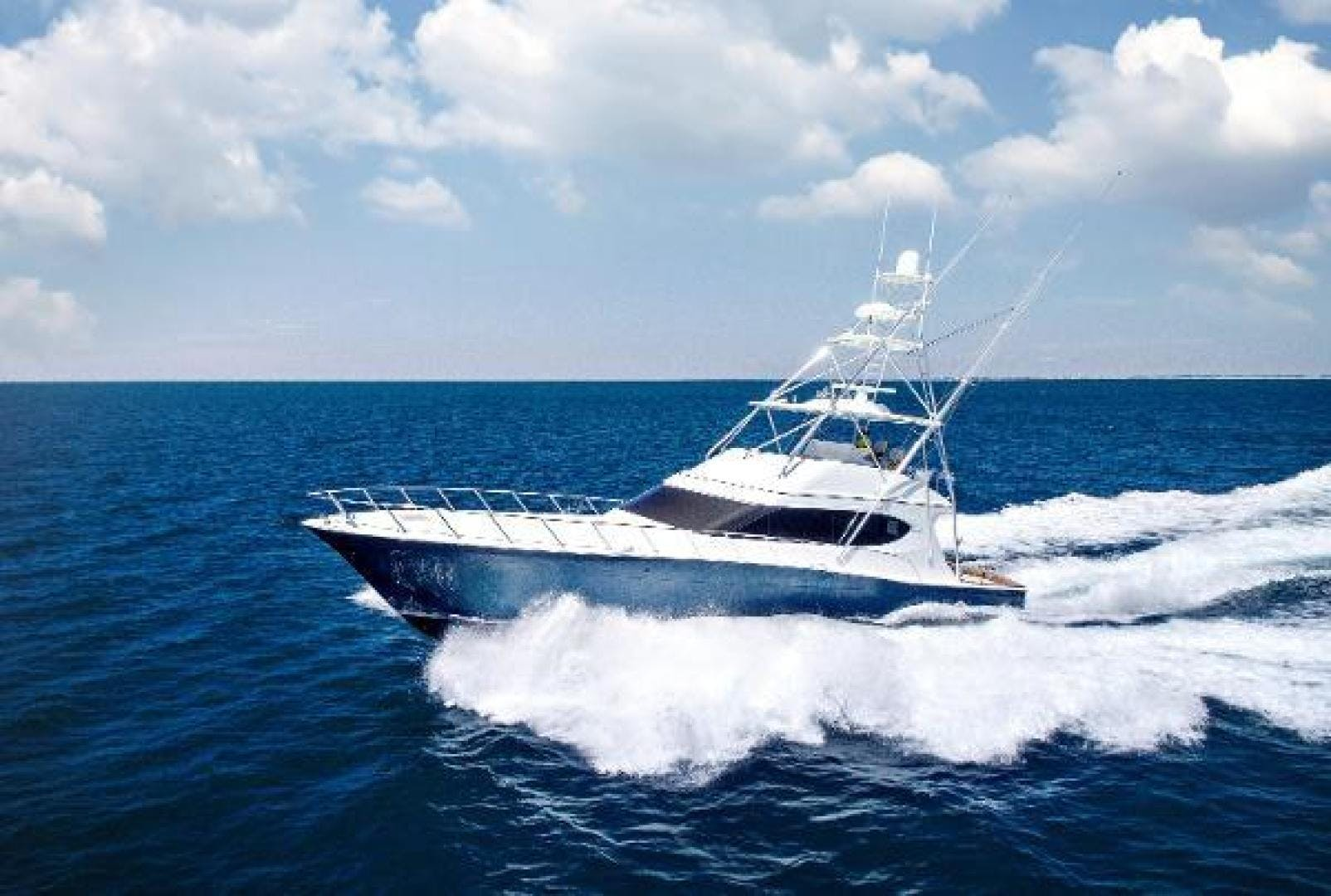 2017 Hatteras 70' GT70 Gear Jammer | Picture 1 of 61