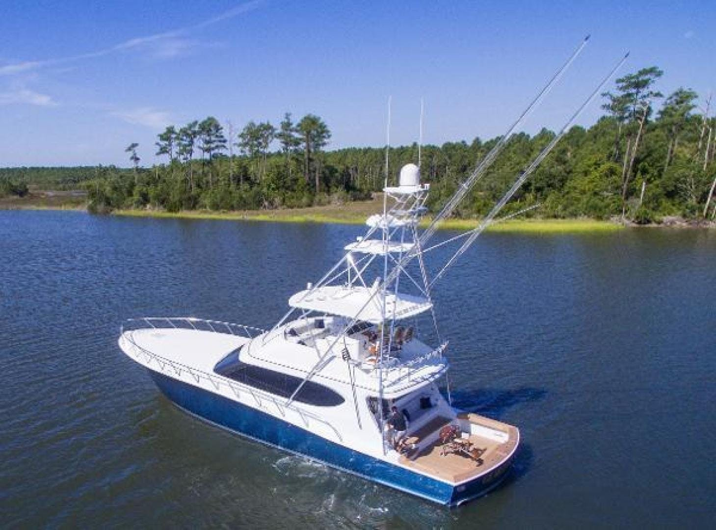 2017 Hatteras 70' GT70 Gear Jammer | Picture 3 of 61