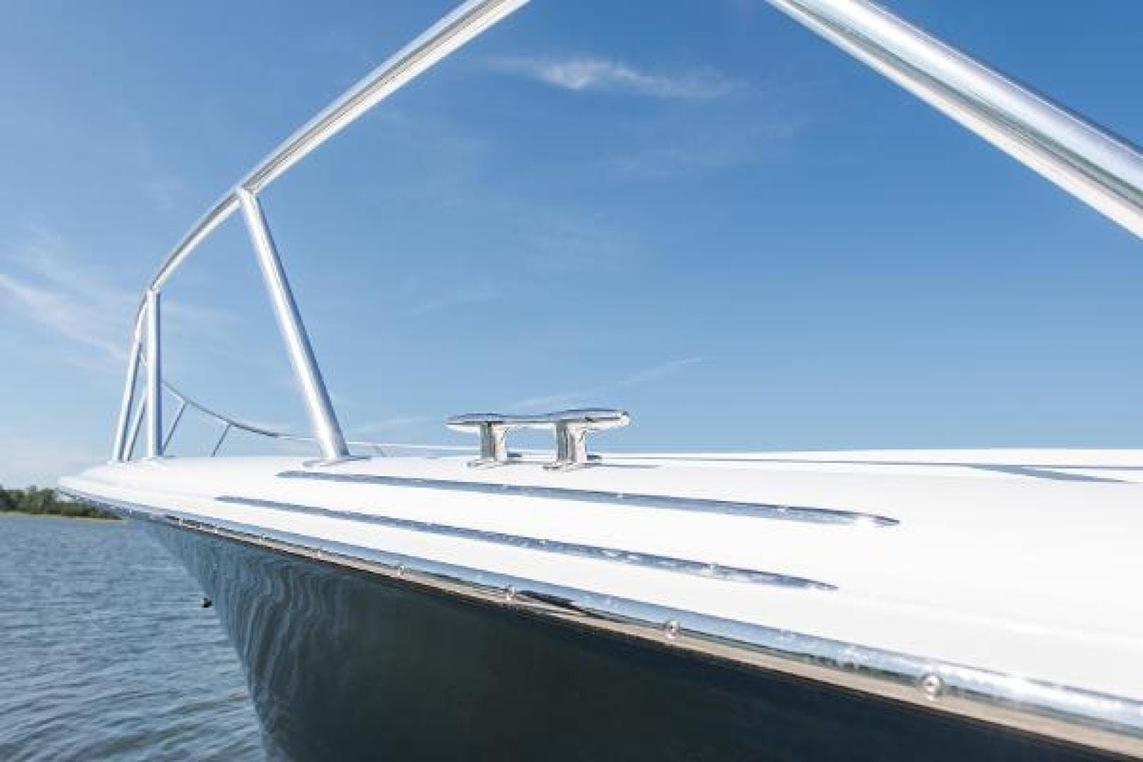 2017 Hatteras 70' GT70 Gear Jammer | Picture 7 of 61