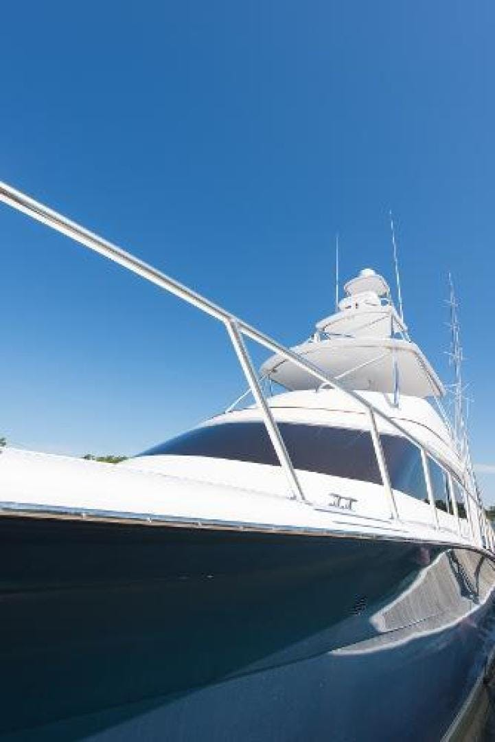 2017 Hatteras 70' GT70 Gear Jammer | Picture 5 of 61