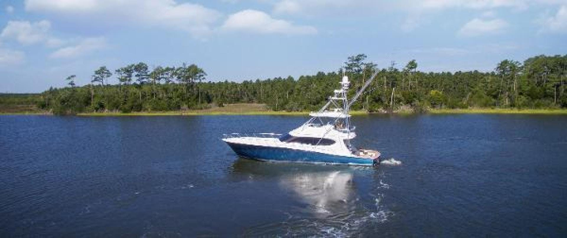 2017 Hatteras 70' GT70 Gear Jammer | Picture 4 of 61