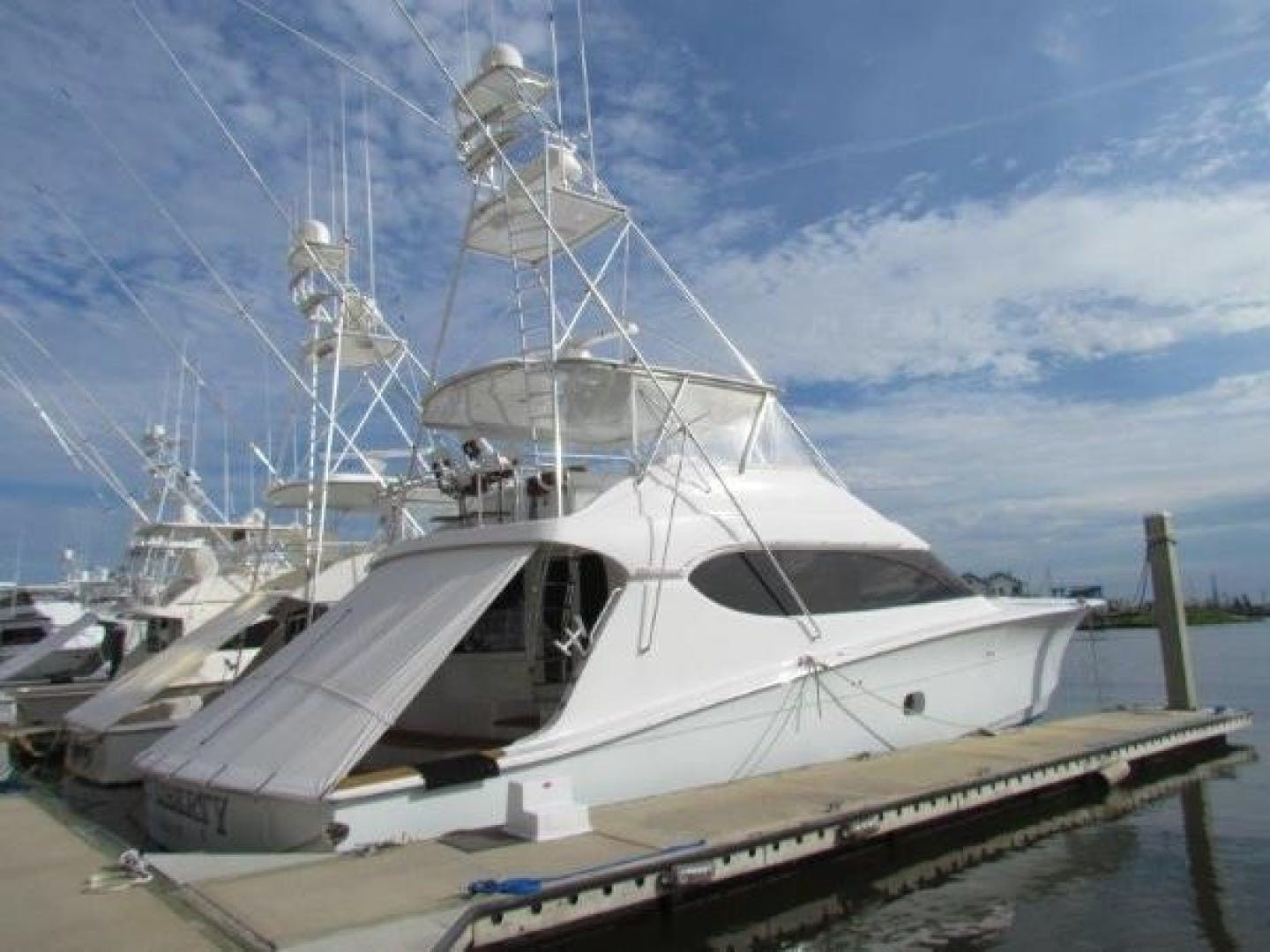 2005 Hatteras 68' Convertible Sweet Liberty    Picture 3 of 62