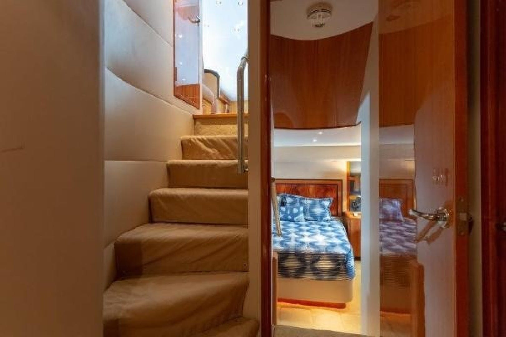 2005 Hatteras 68' Convertible Sweet Liberty    Picture 6 of 62
