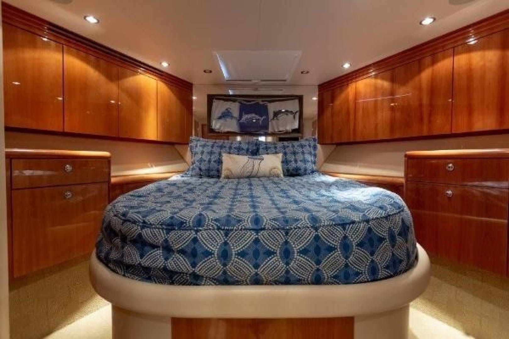 2005 Hatteras 68' Convertible Sweet Liberty    Picture 2 of 62