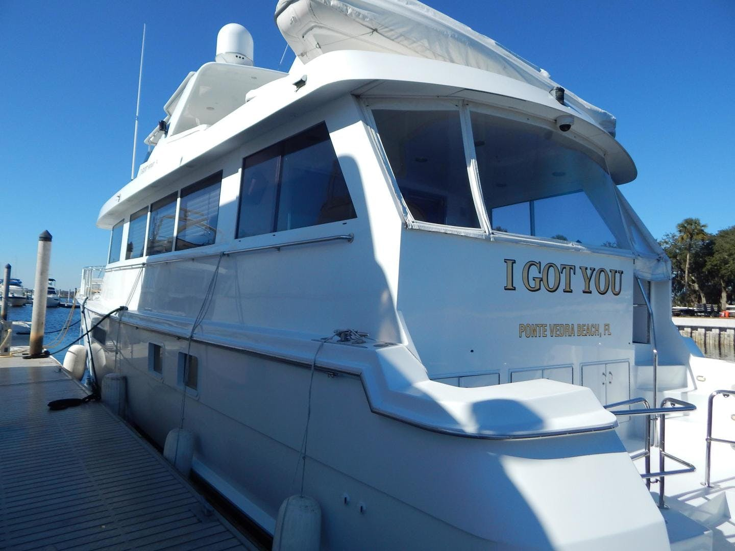 1998 Hatteras 74' Sport Deck Motor Yacht I GOT YOU | Picture 3 of 40