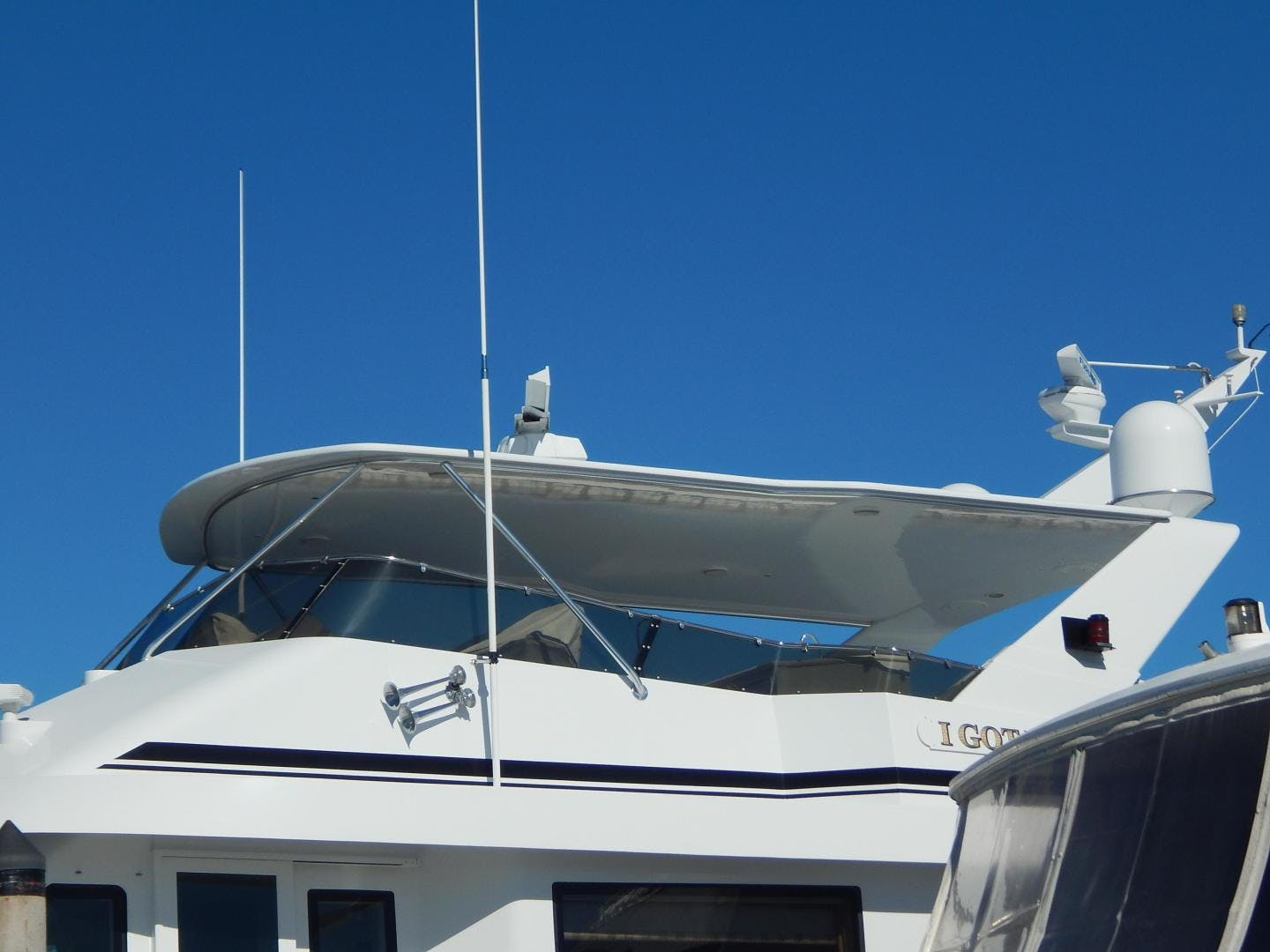 1998 Hatteras 74' Sport Deck Motor Yacht I GOT YOU | Picture 4 of 40