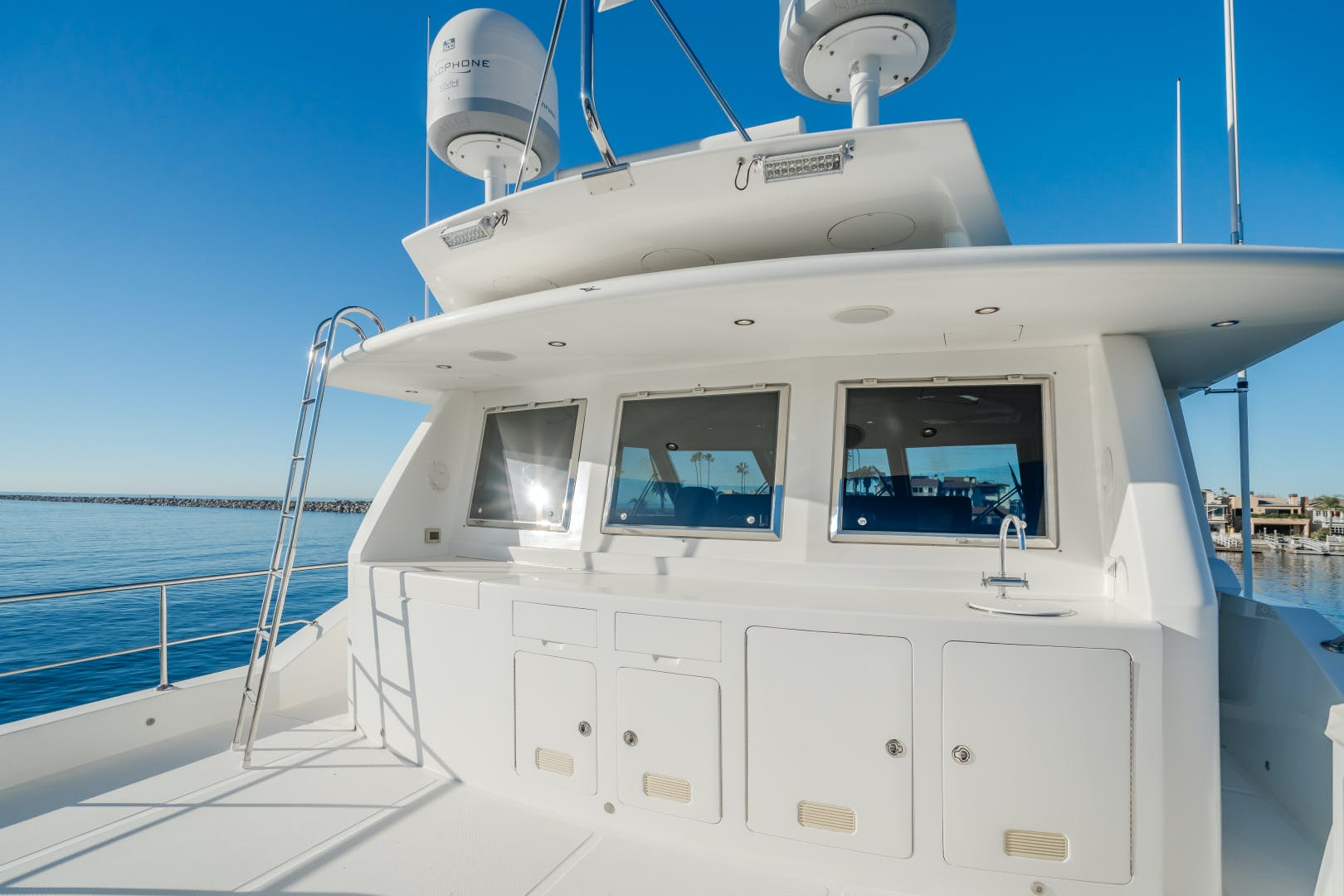 2010 Ocean Alexander 84' CMY Skylounge SOUNDINGS | Picture 1 of 57