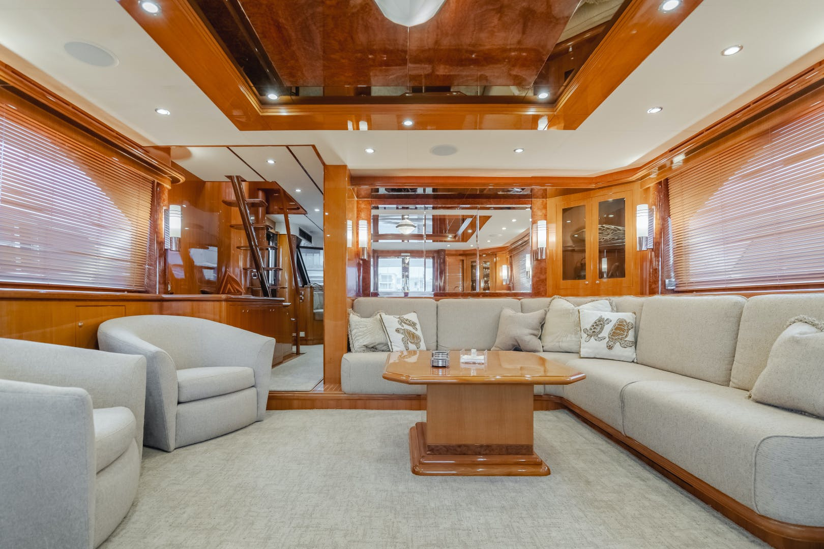 2010 Ocean Alexander 84' CMY Skylounge SOUNDINGS | Picture 2 of 57