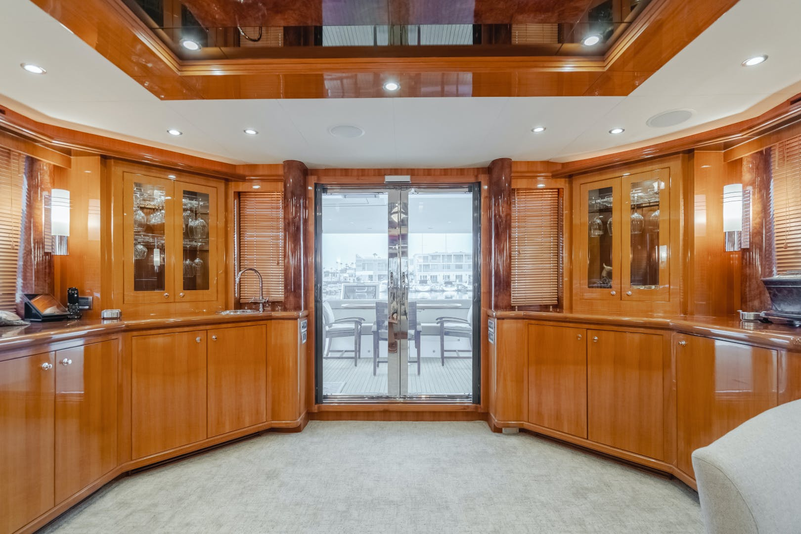 2010 Ocean Alexander 84' CMY Skylounge SOUNDINGS | Picture 5 of 57