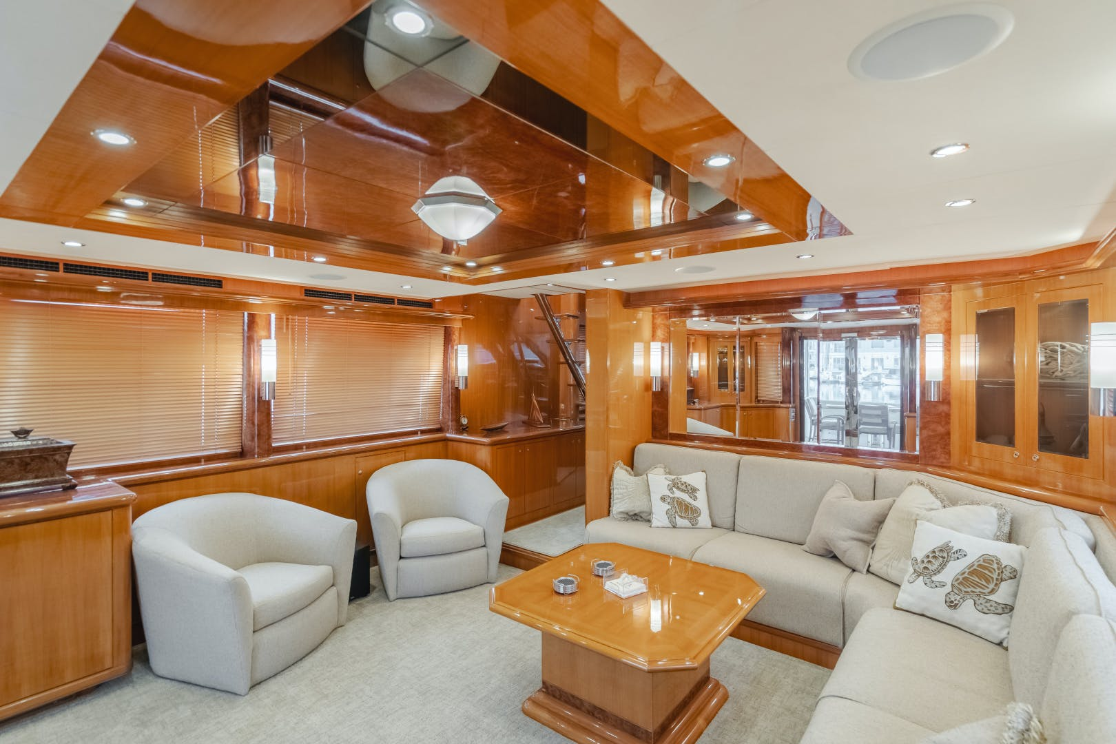 2010 Ocean Alexander 84' CMY Skylounge SOUNDINGS | Picture 3 of 57