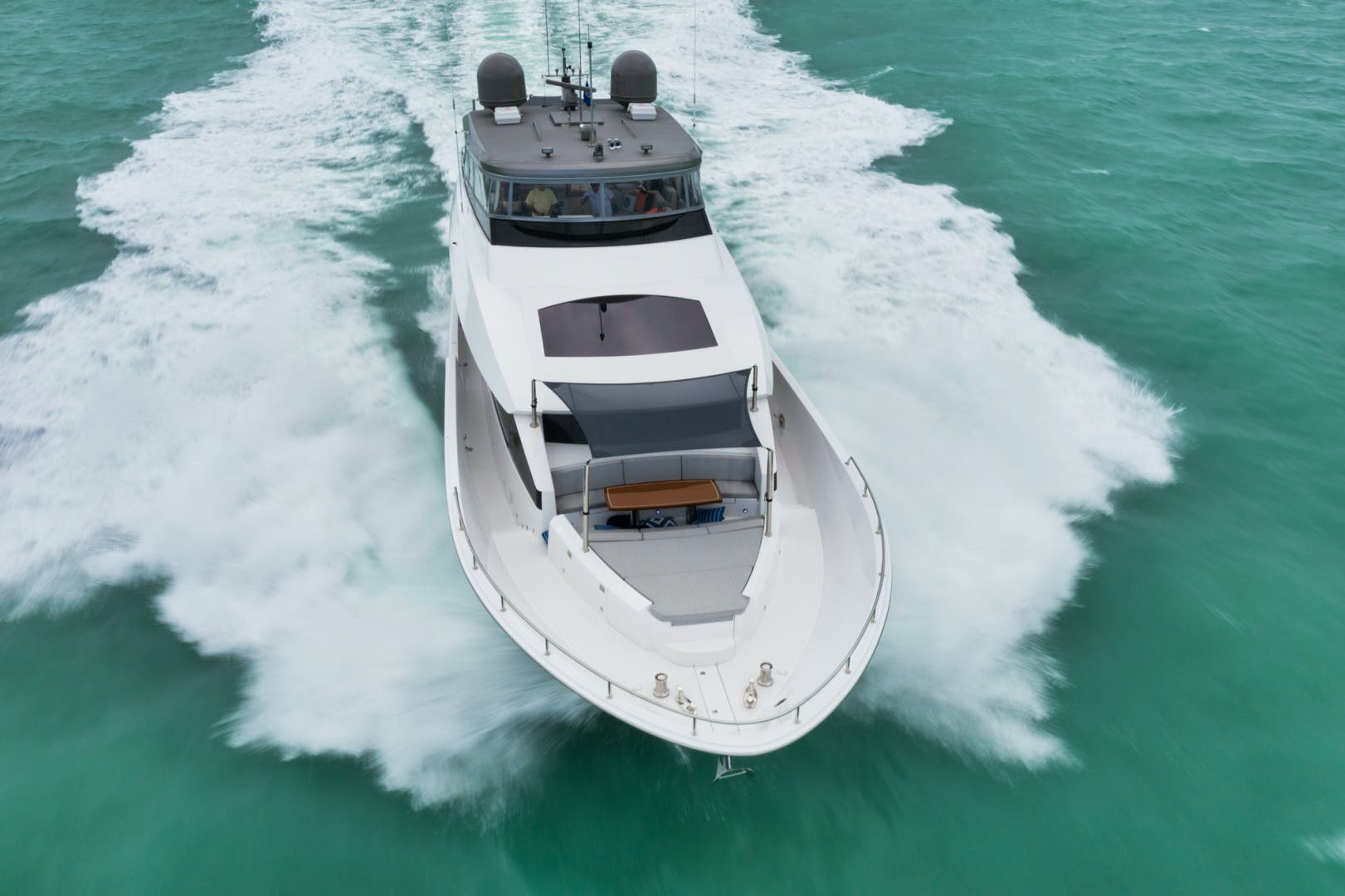 2019 Hatteras 90' M90 Panacera Jetstream | Picture 1 of 38