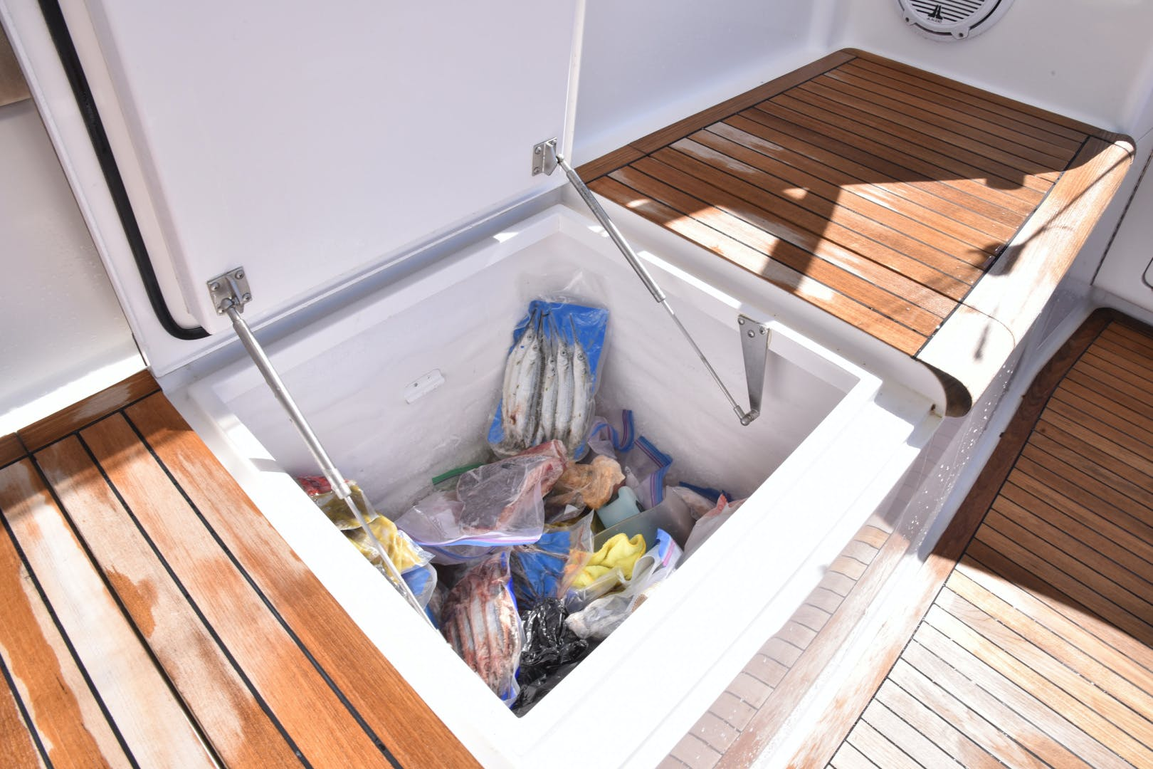 2008 Viking 74' 74 Convertible Picu 2 | Picture 7 of 95