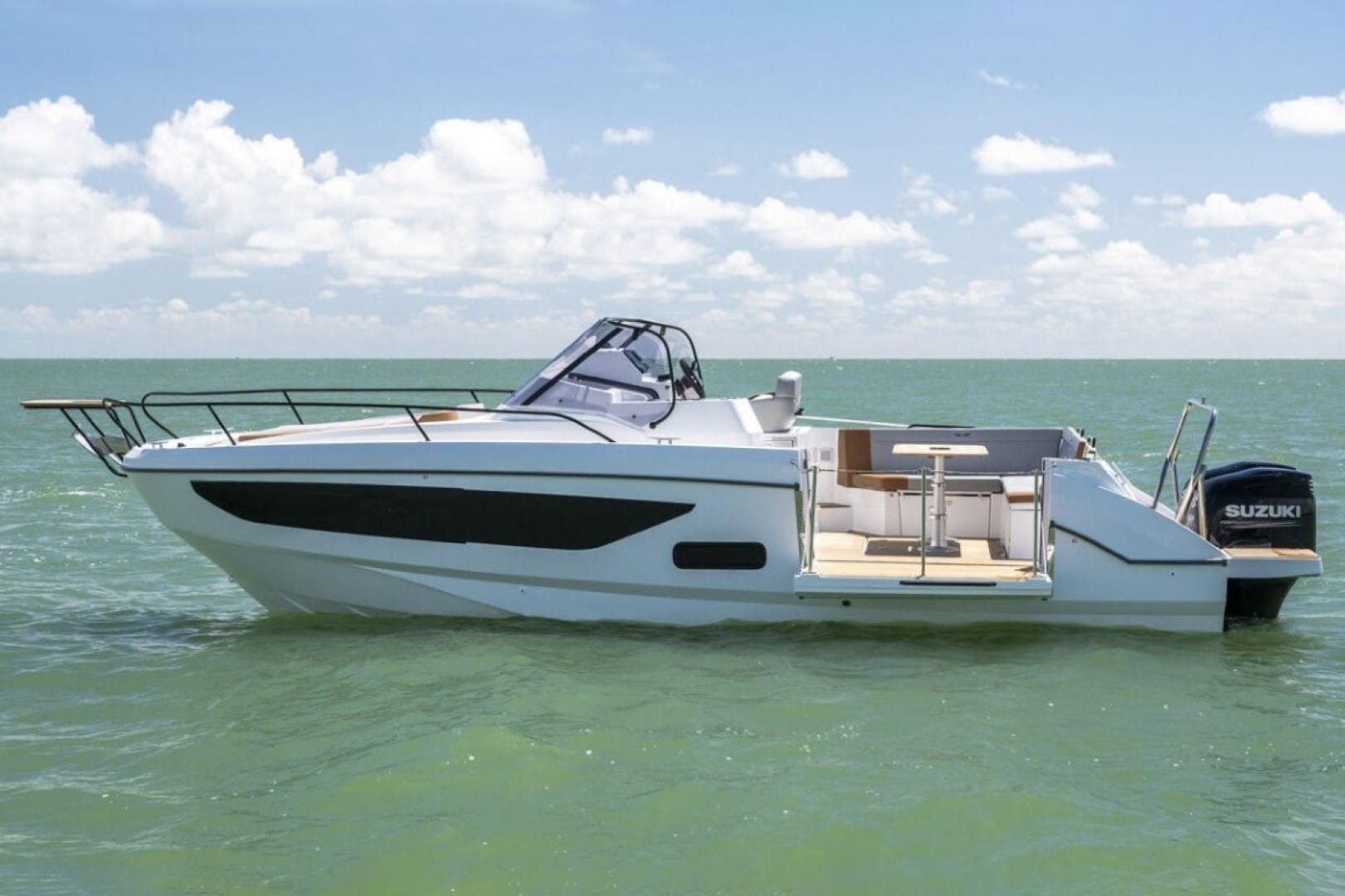 2021 Beneteau America 24' Flyer 9 Sundeck  | Picture 2 of 7