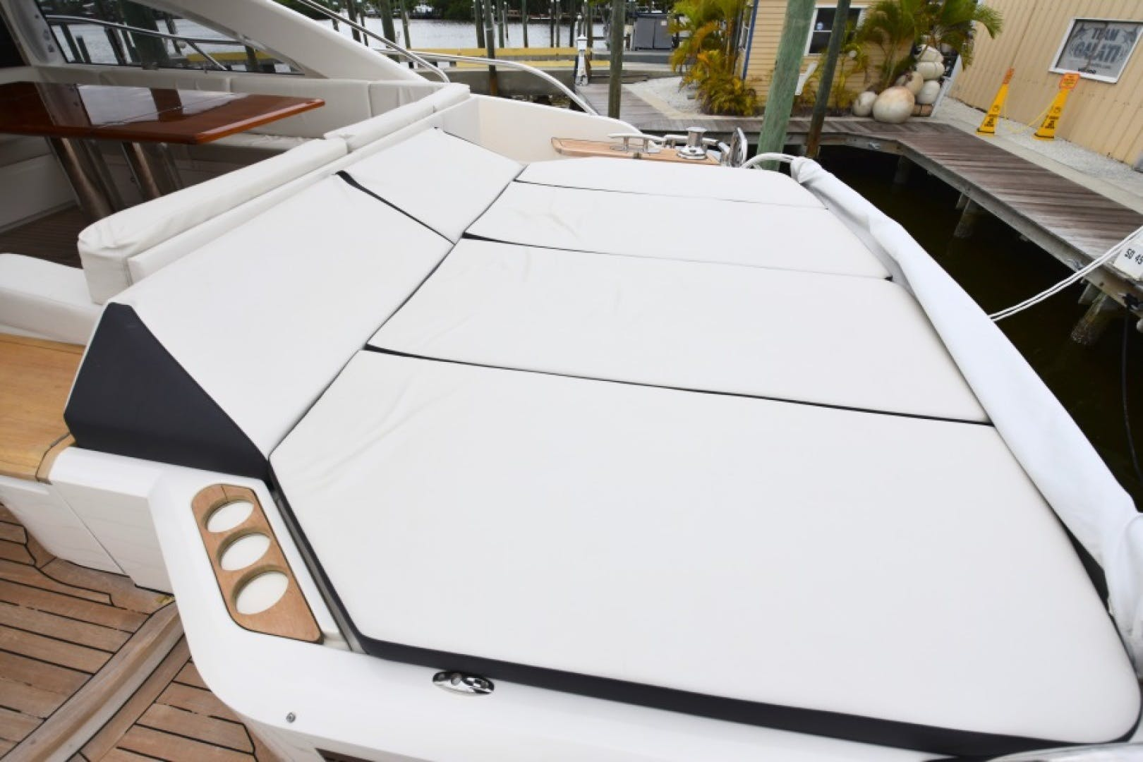 2013 Princess 72' V72  | Picture 5 of 37