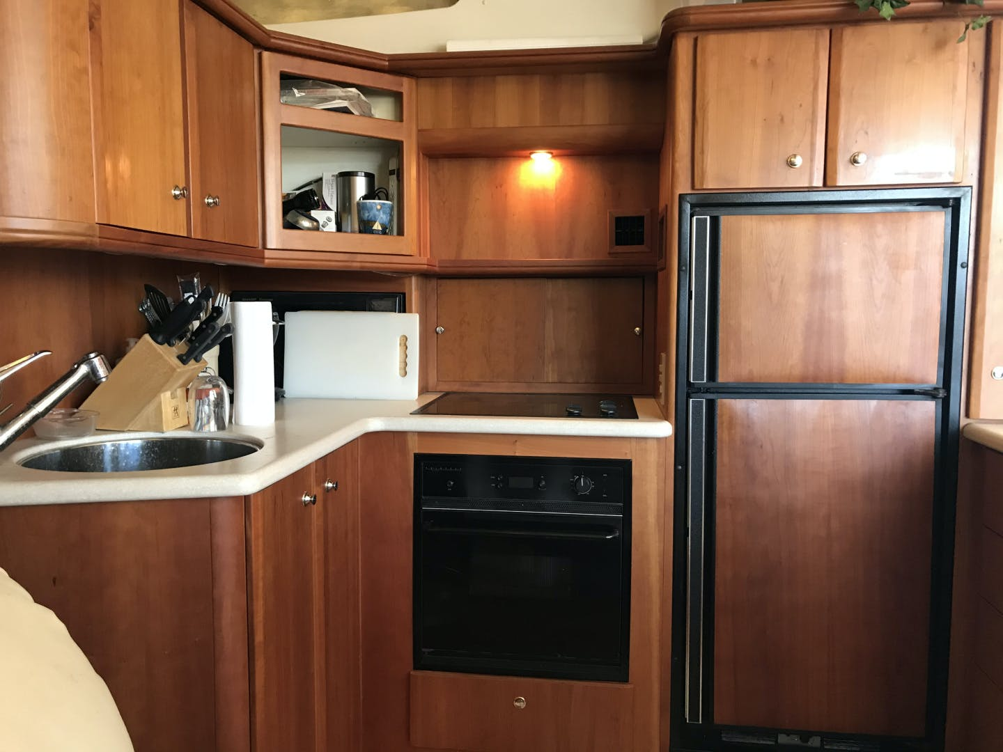 2002 Silverton 43' 43 Aft Cabin J T'aime | Picture 1 of 31