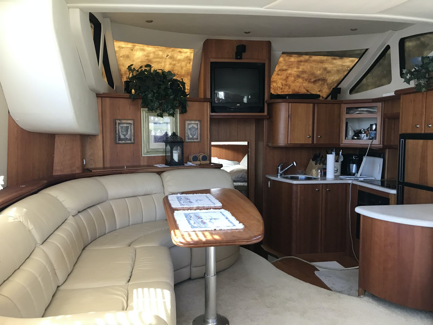 2002 Silverton 43' 43 Aft Cabin J T'aime | Picture 8 of 31