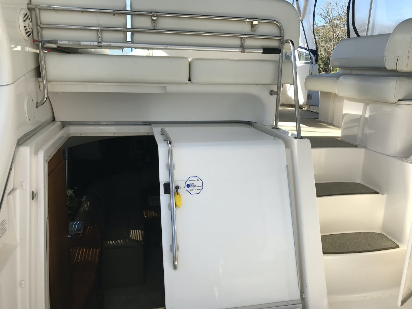 2002 Silverton 43' 43 Aft Cabin J T'aime | Picture 4 of 31