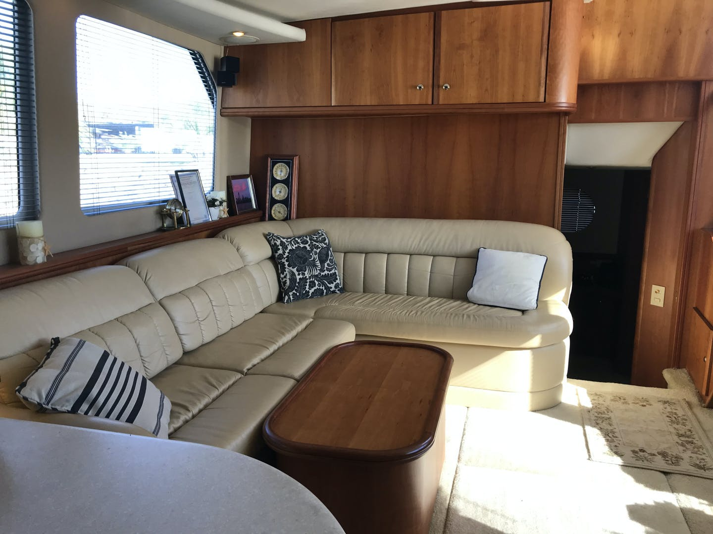 2002 Silverton 43' 43 Aft Cabin J T'aime | Picture 5 of 31