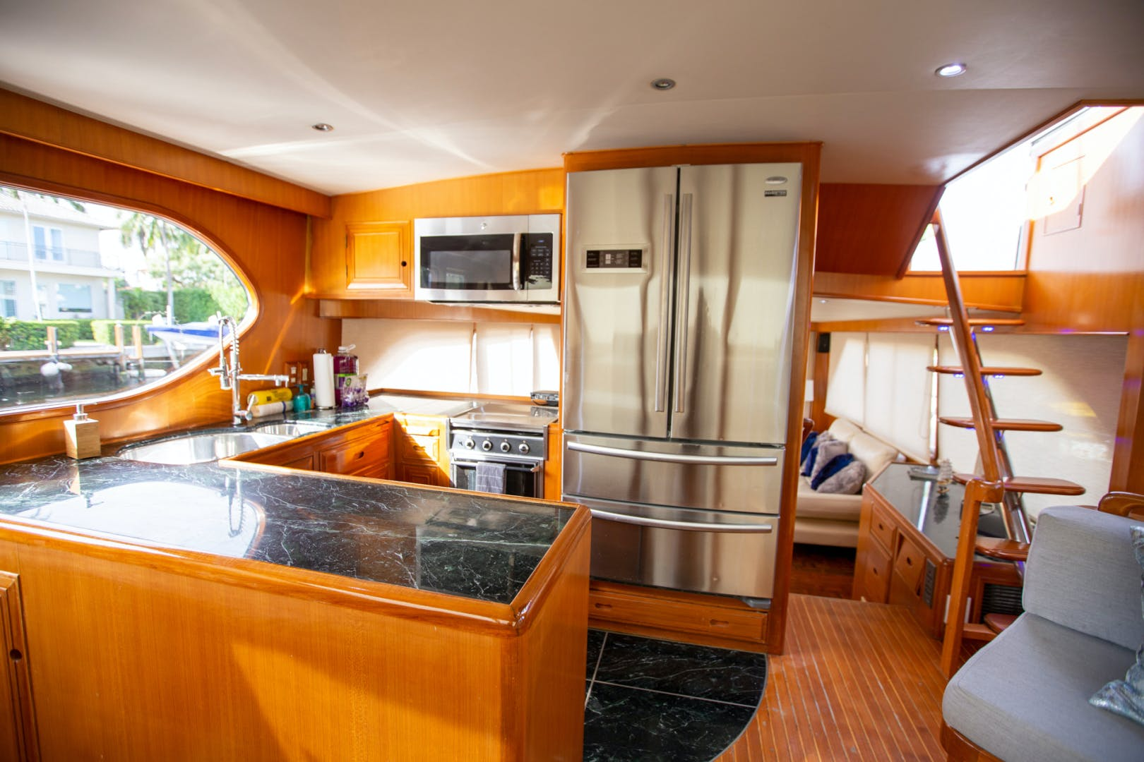 2000 Ocean Alexander 61' 610 Pilothouse Name Reserved | Picture 6 of 48