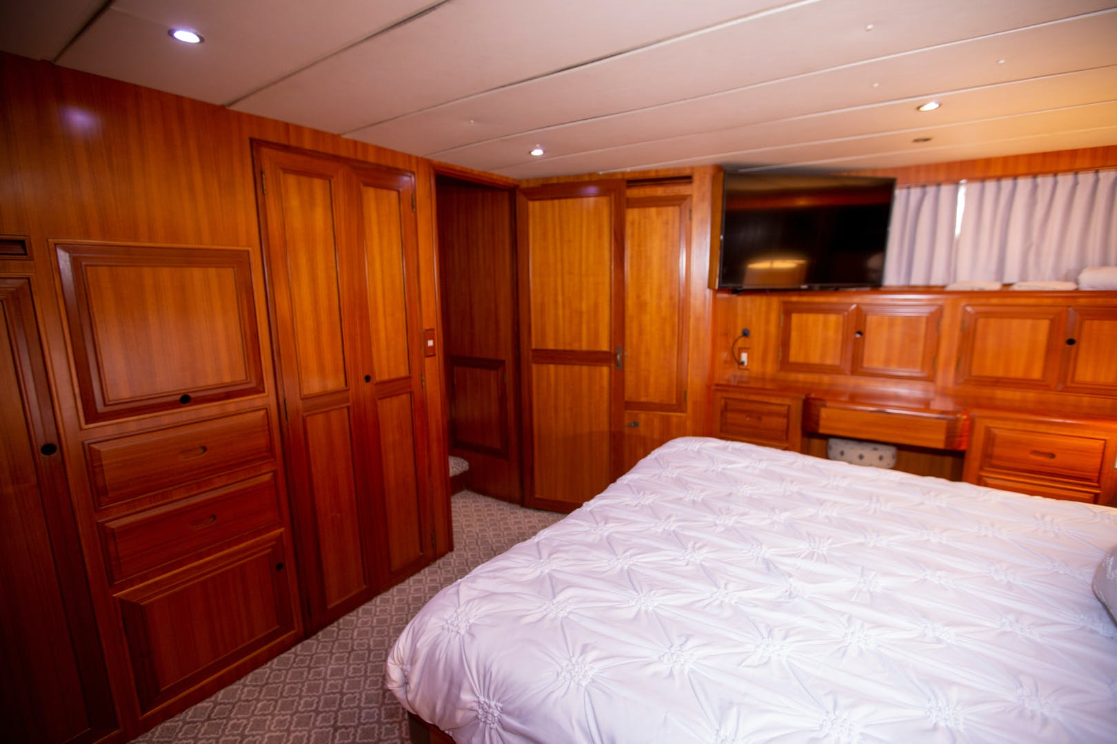 2000 Ocean Alexander 61' 610 Pilothouse Name Reserved | Picture 3 of 48