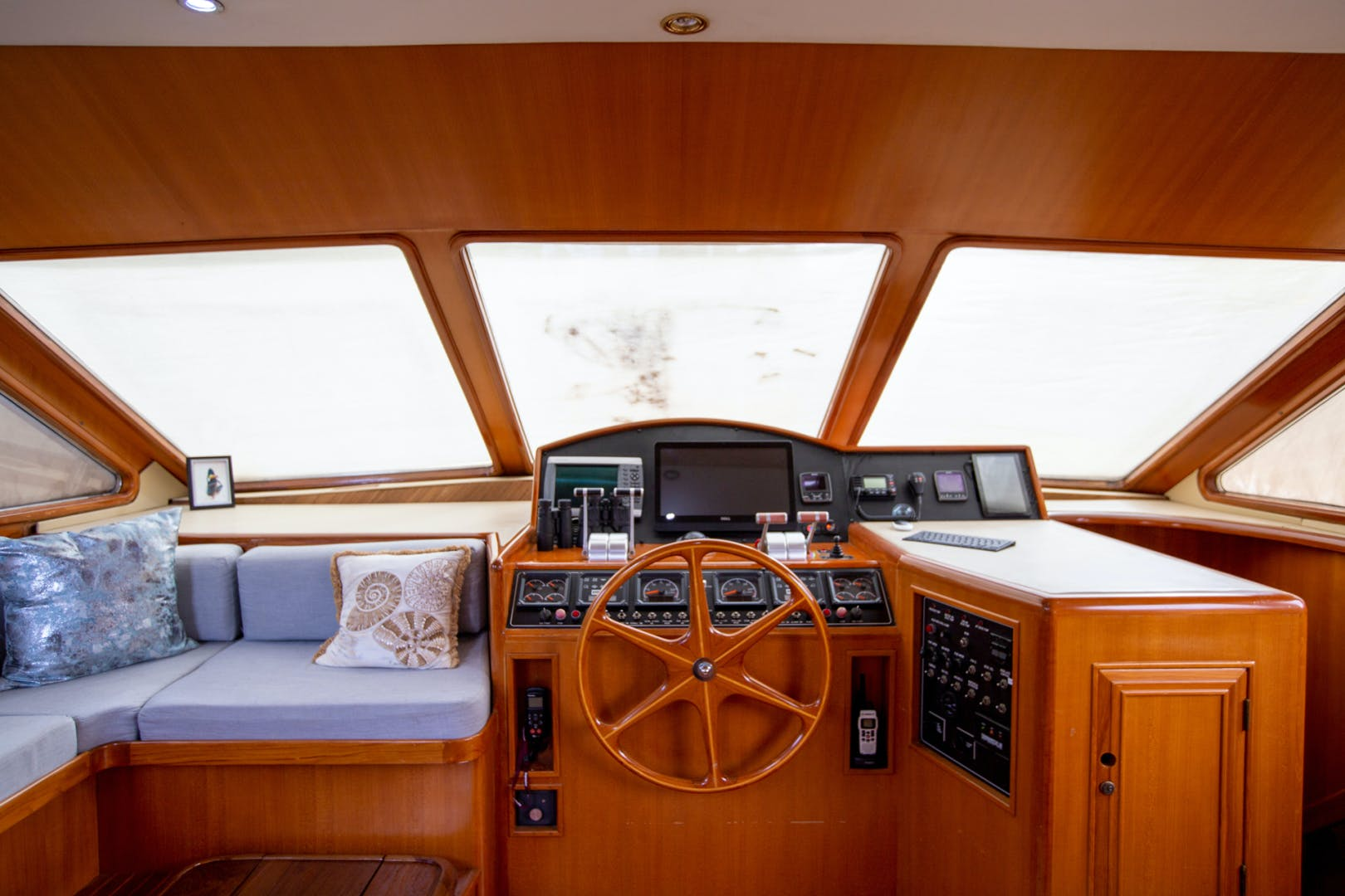 2000 Ocean Alexander 61' 610 Pilothouse Name Reserved | Picture 2 of 48