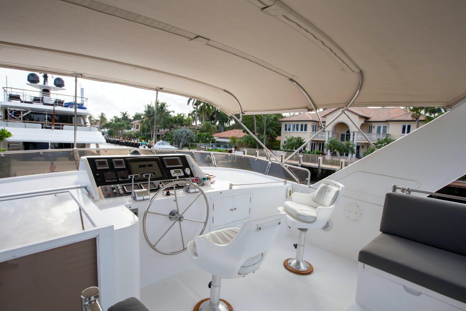 2000 Ocean Alexander 61' 610 Pilothouse Name Reserved   Picture 2 of 48