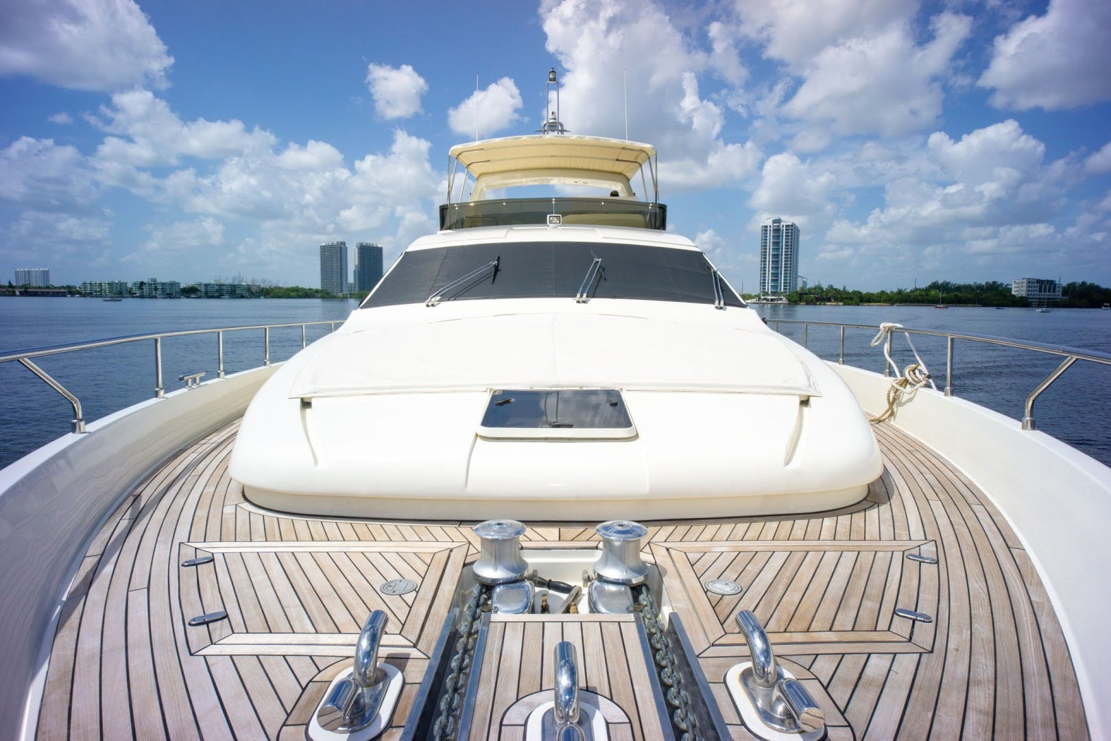 2006 Ferretti Yachts 83' 830    Picture 7 of 65