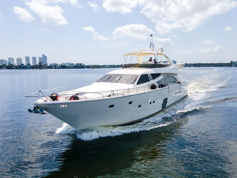2006 Ferretti Yachts 83' 830