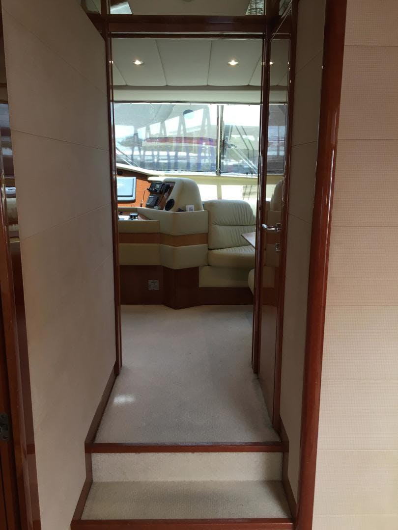 2006 Ferretti Yachts 83' 830    Picture 4 of 109