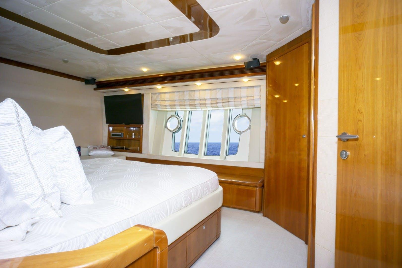 2006 Ferretti Yachts 83' 830    Picture 6 of 65