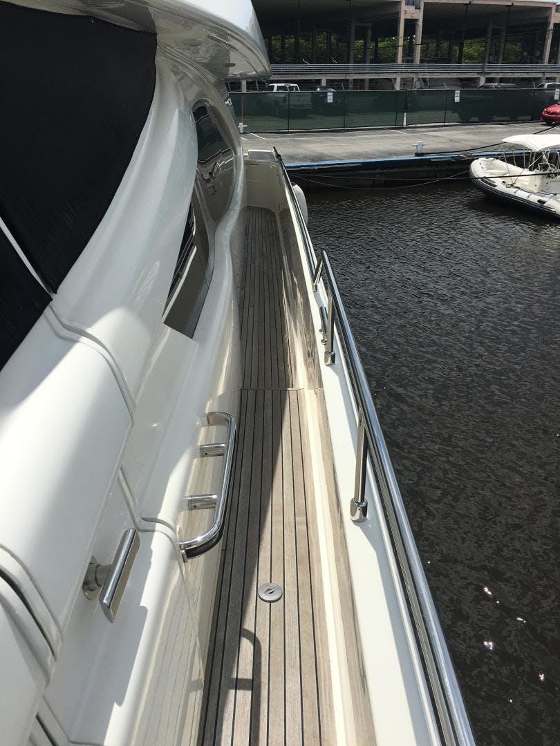 2006 Ferretti Yachts 83' 830    Picture 7 of 109