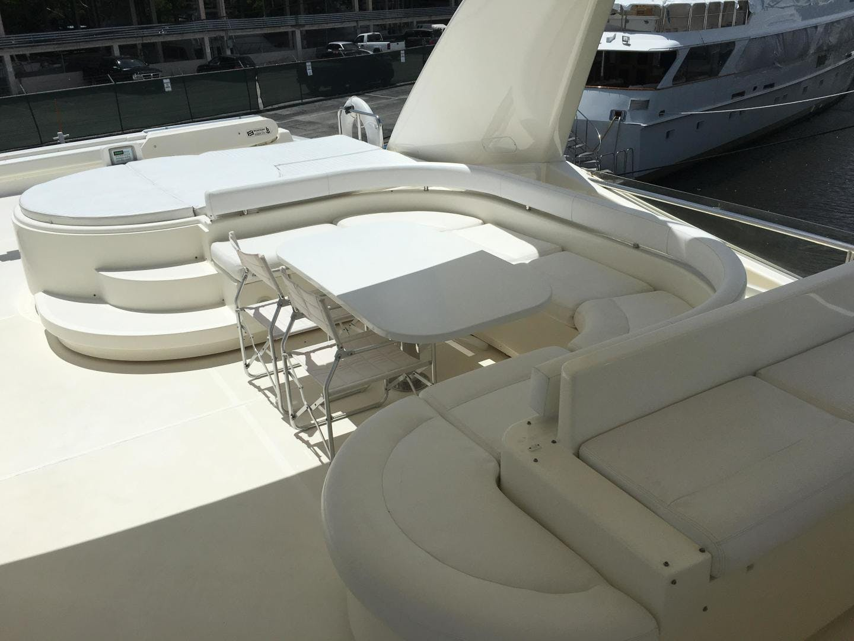 2006 Ferretti Yachts 83' 830    Picture 8 of 109