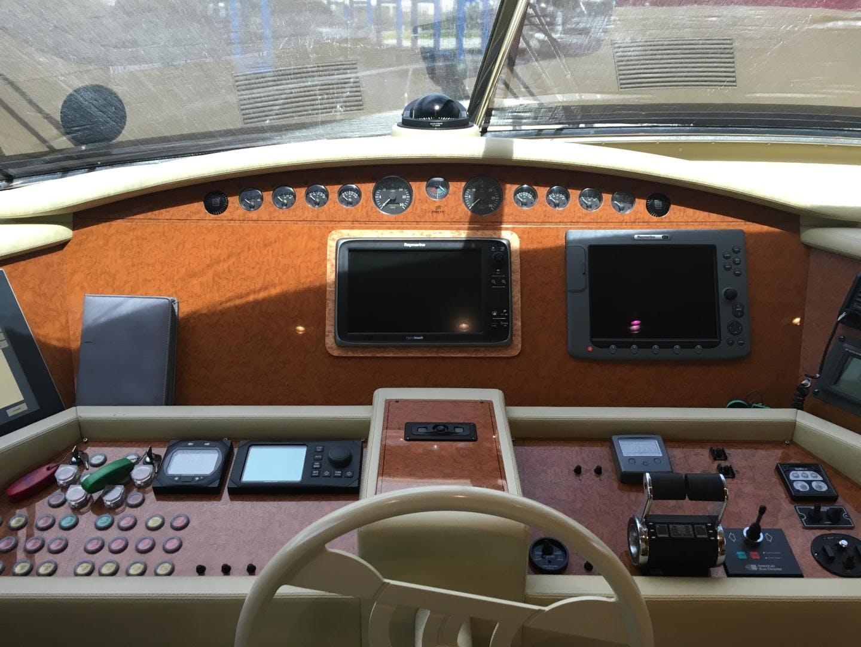 2006 Ferretti Yachts 83' 830    Picture 5 of 109