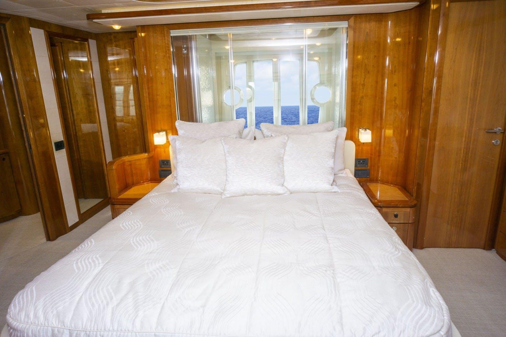 2006 Ferretti Yachts 83' 830    Picture 1 of 65