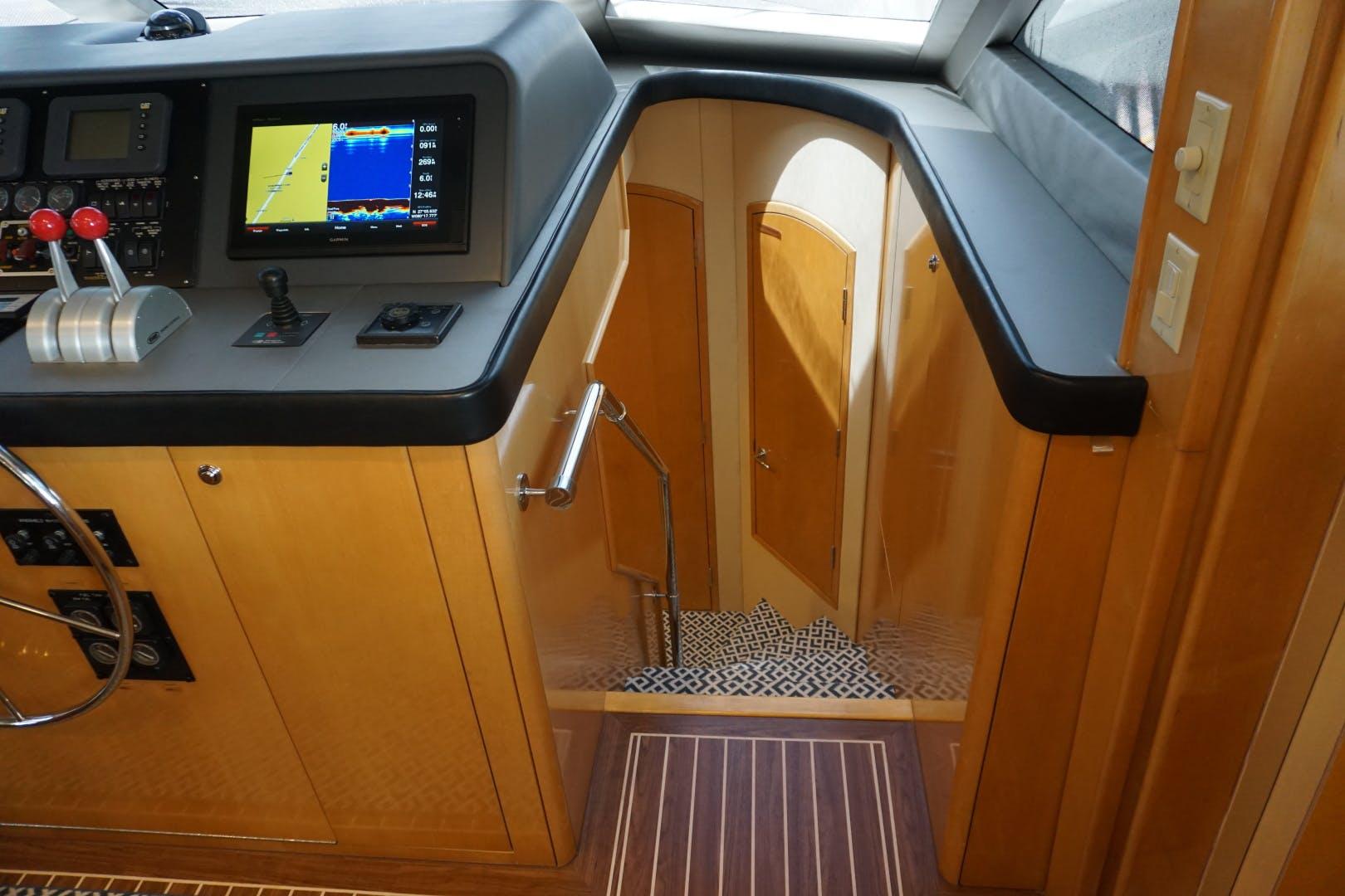 2002 Hatteras 75' Motor yacht flybridge Luisa | Picture 5 of 44