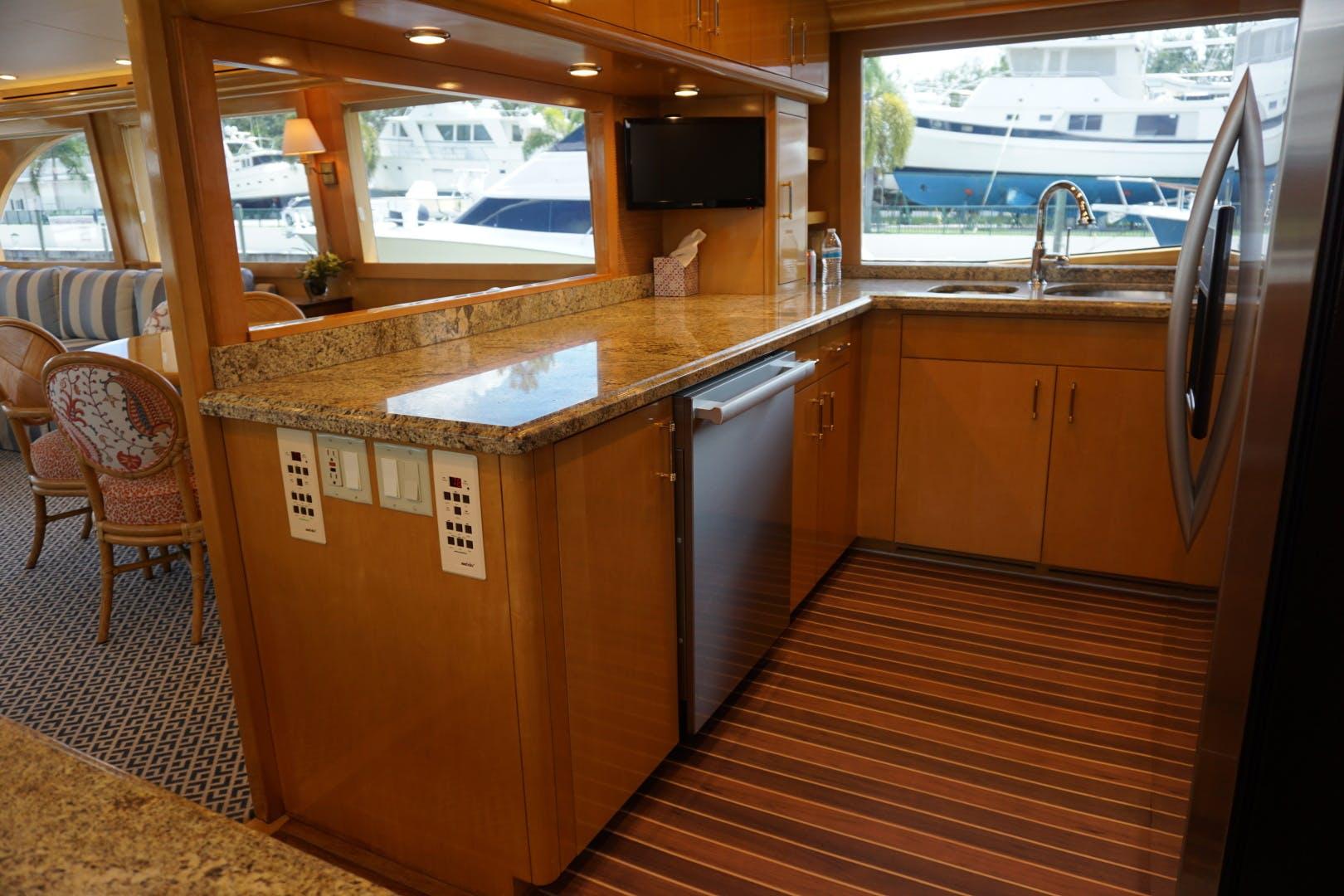 2002 Hatteras 75' Motor yacht flybridge Luisa | Picture 1 of 44