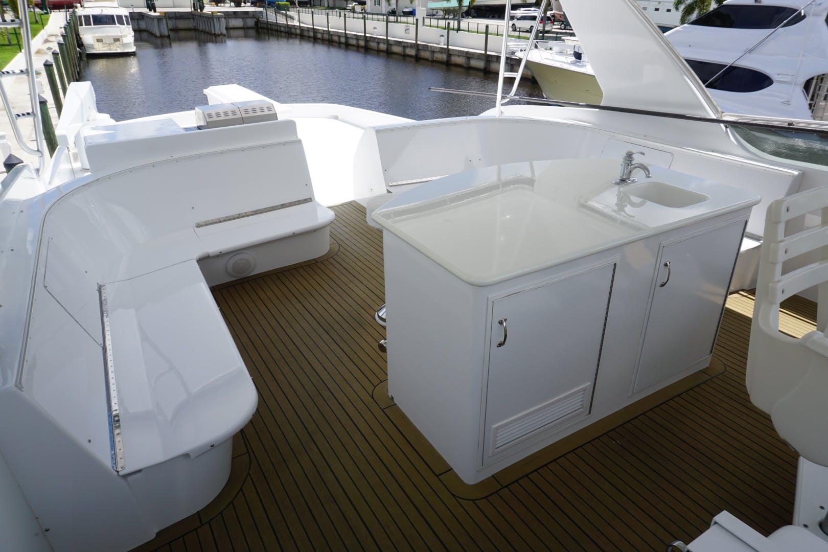 2002 Hatteras 75' Motor yacht flybridge Luisa | Picture 6 of 44