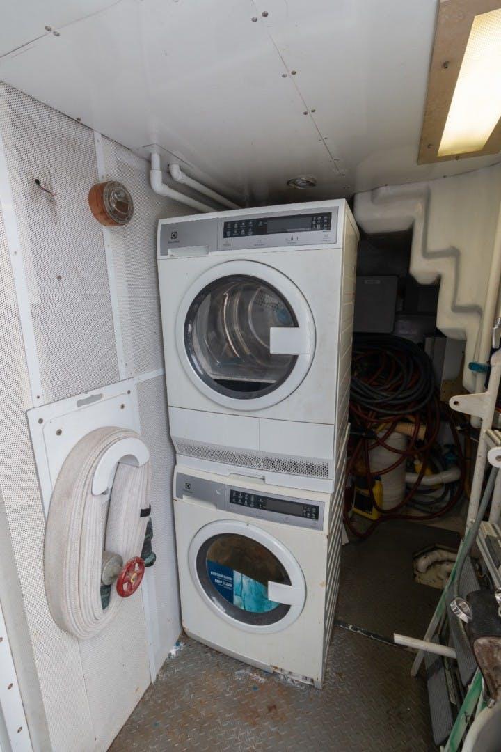 2001 Intermarine 95' RPH Carpe Diem | Picture 2 of 62