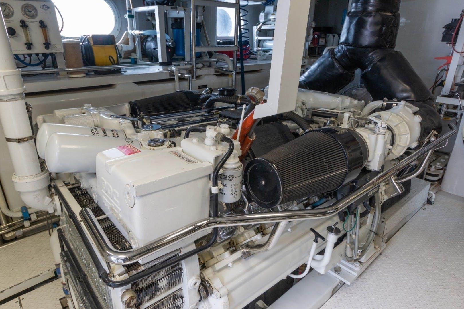 2001 Intermarine 95' RPH Carpe Diem | Picture 6 of 62