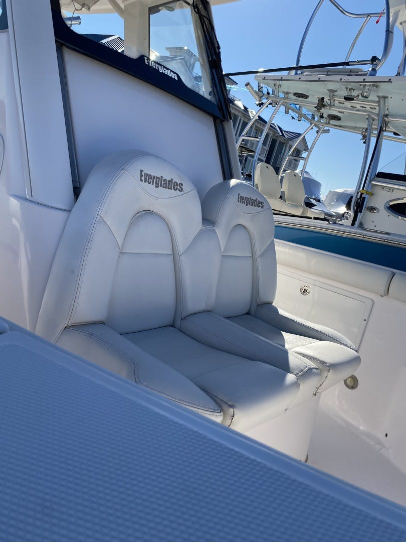 2015 Everglades 25' 255 Center Console  | Picture 1 of 9