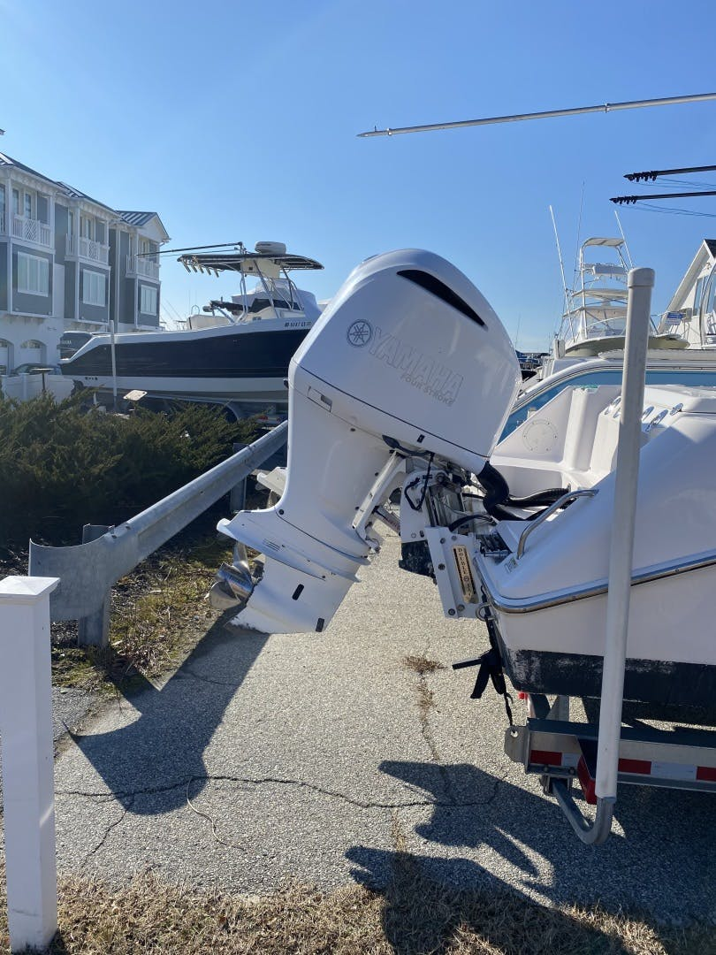 2015 Everglades 25' 255 Center Console  | Picture 4 of 9