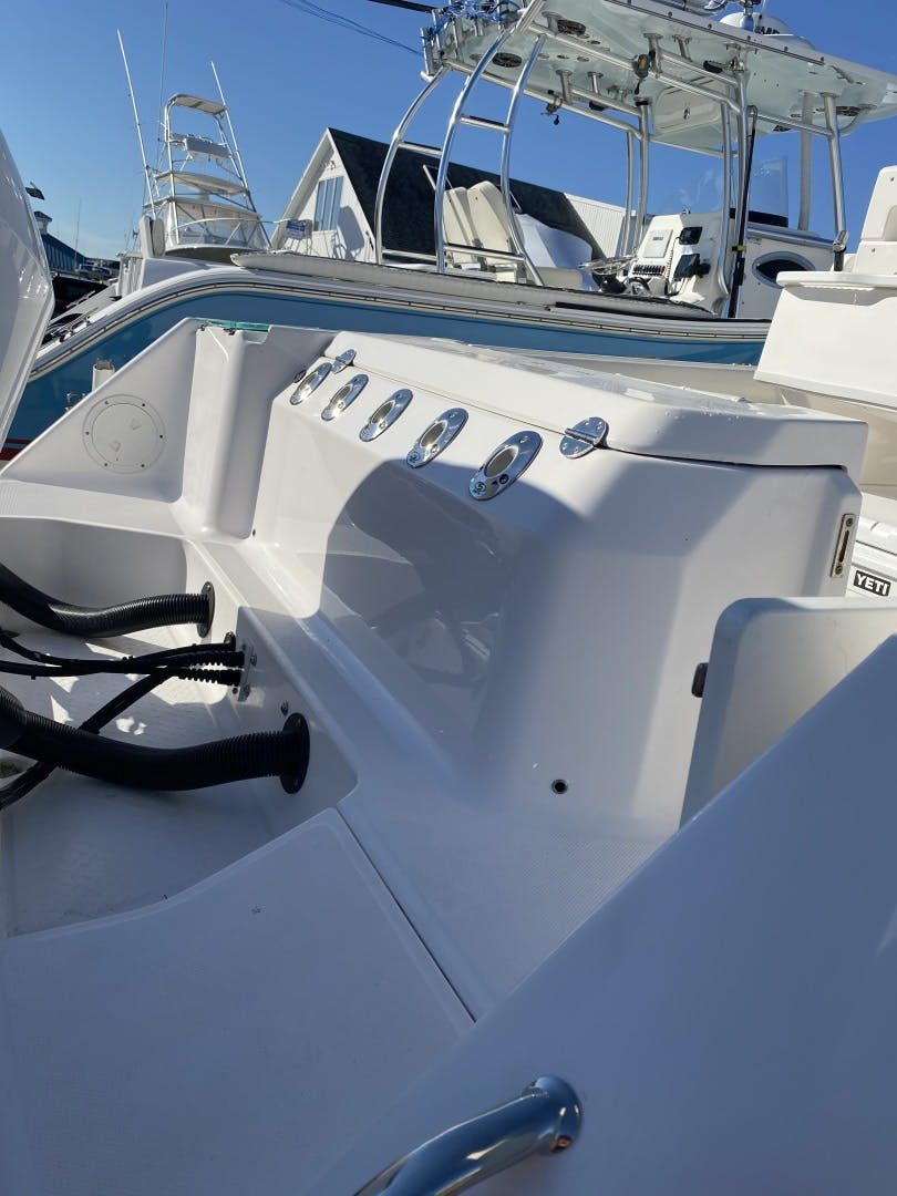 2015 Everglades 25' 255 Center Console  | Picture 6 of 9