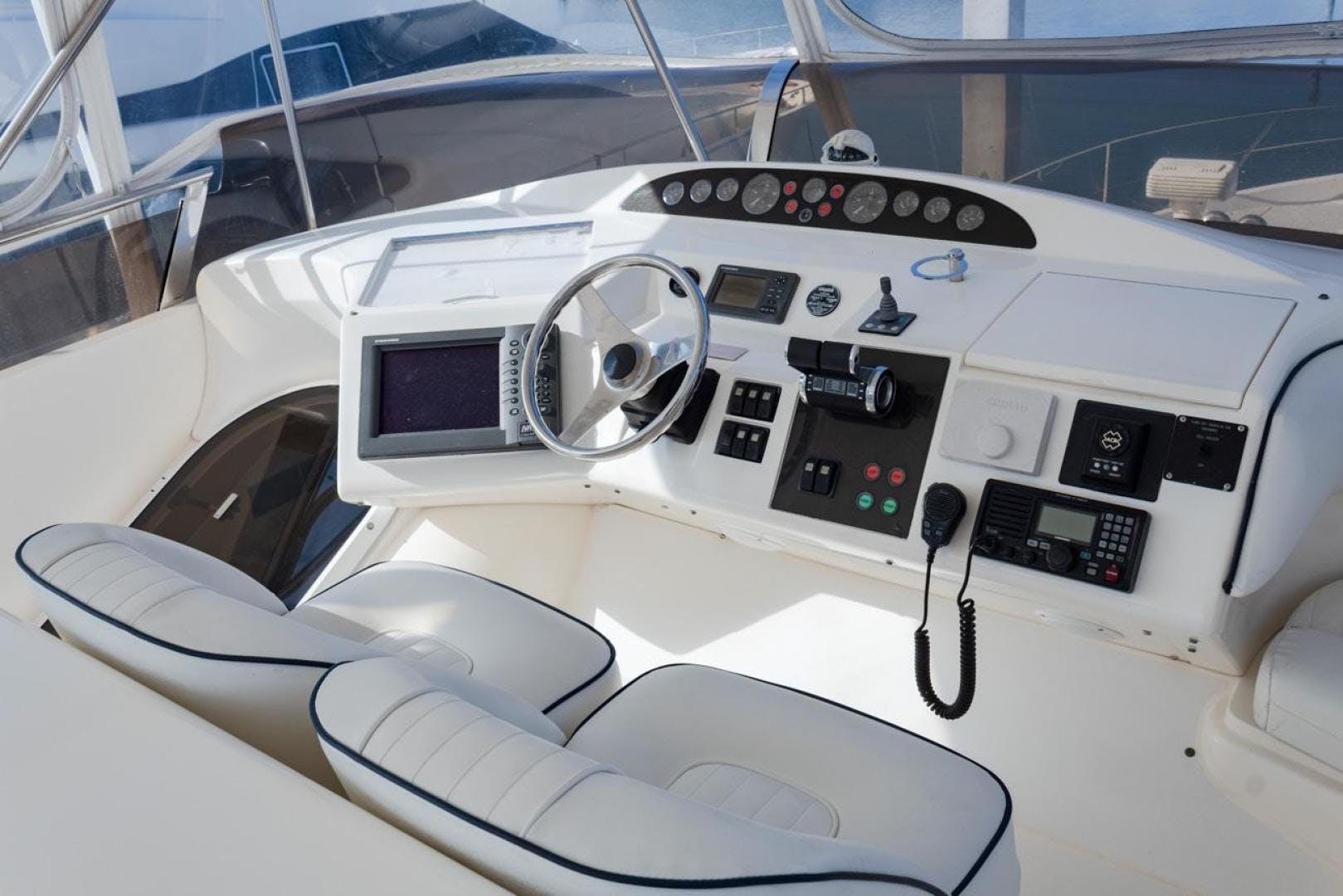 2003 Viking 61' Motor Yacht  | Picture 6 of 37