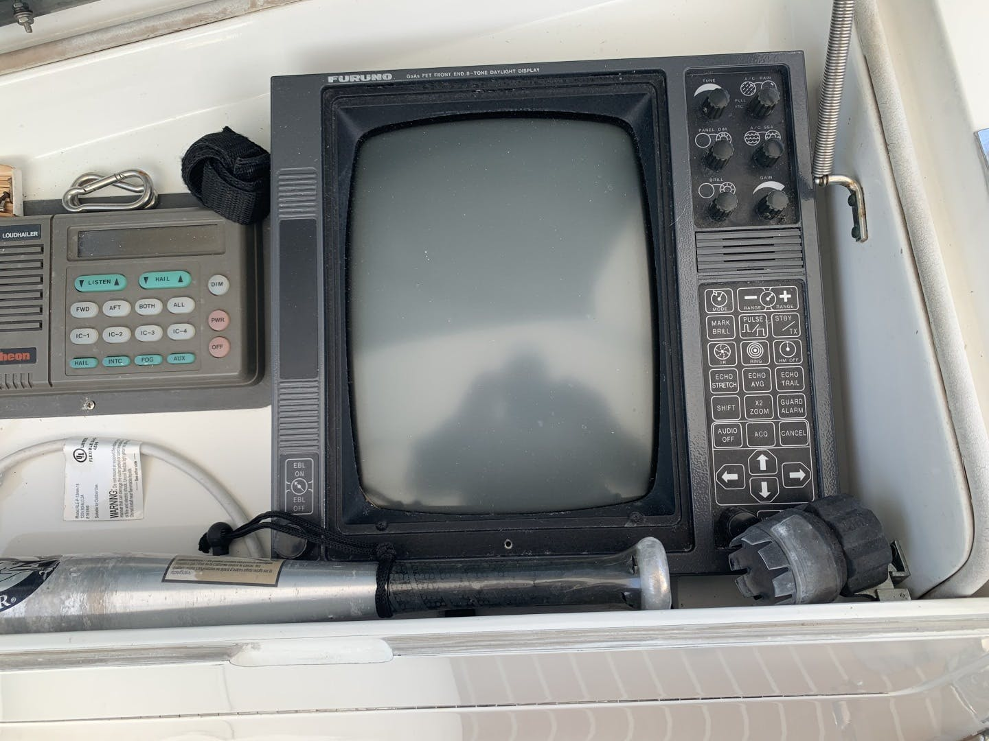 1991 Hatteras 52' Cockpit Motor Yacht Cat in the Hatt | Picture 3 of 62