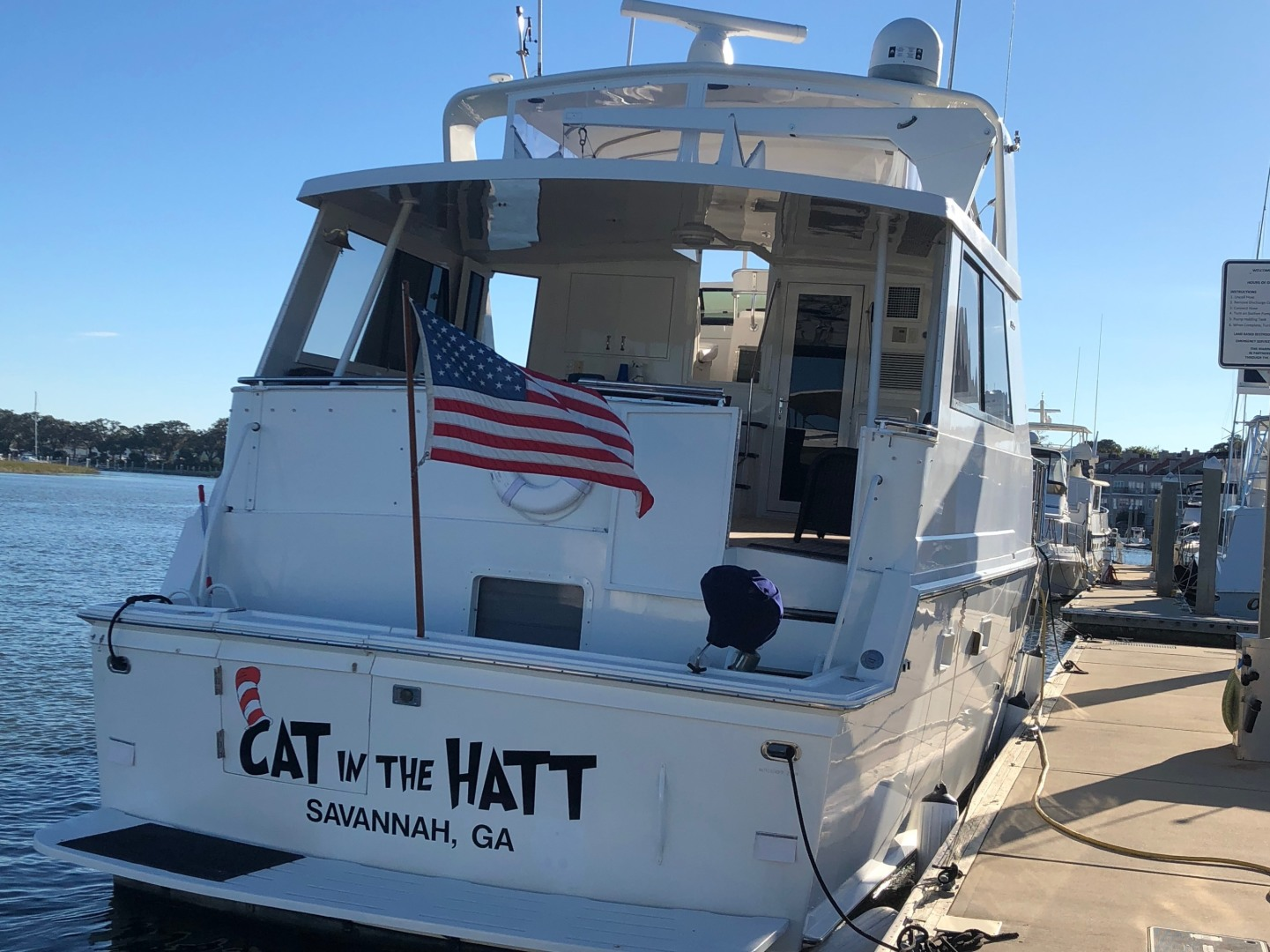 52' Hatteras 1991 Cockpit Motor Yacht Cat in the Hatt
