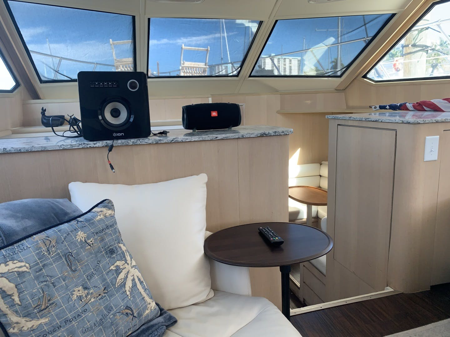 1991 Hatteras 52' Cockpit Motor Yacht Cat in the Hatt | Picture 1 of 62