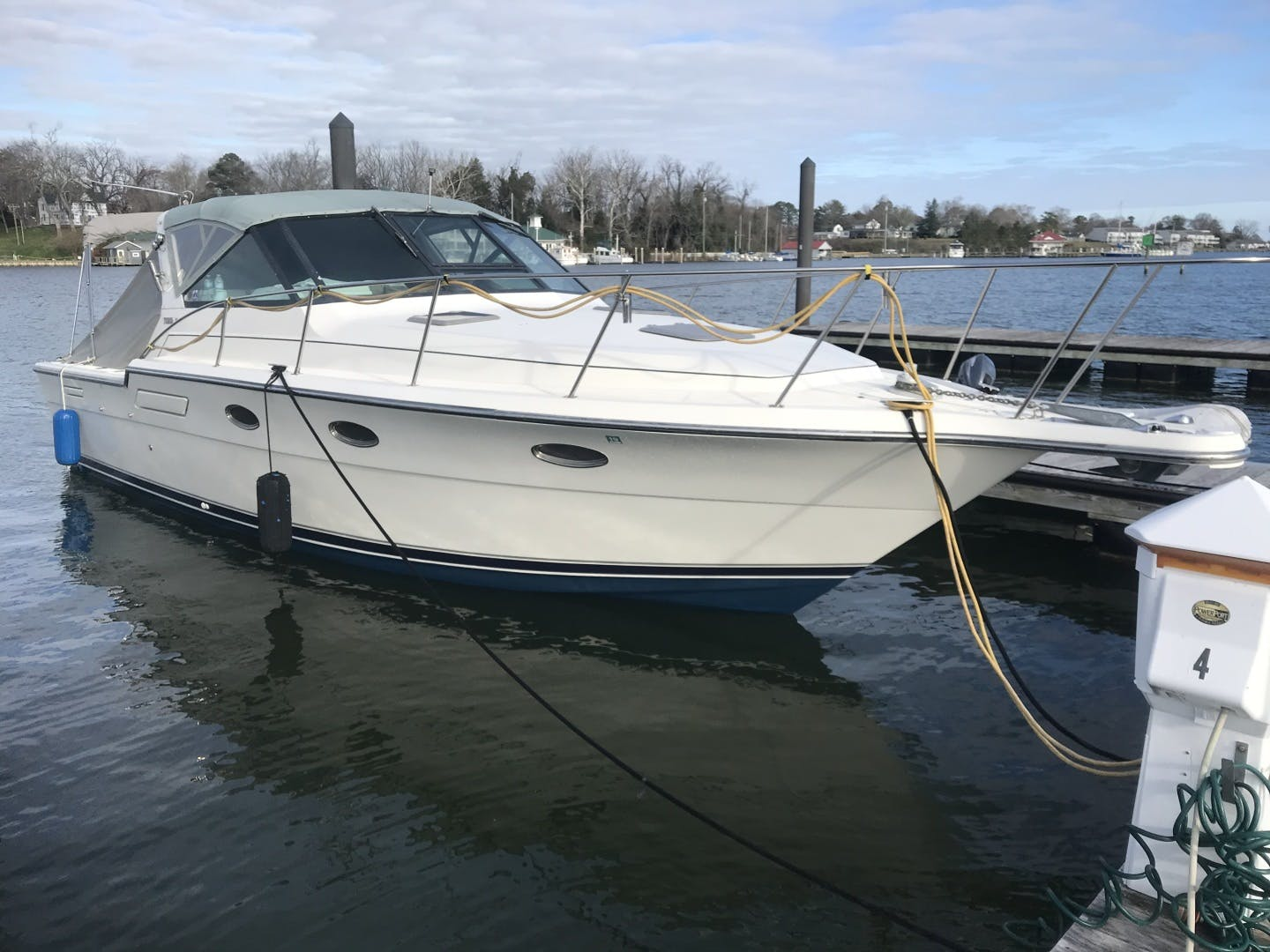 1990 Tiara Yachts 33' 3300 Open Summer Place   Picture 1 of 6